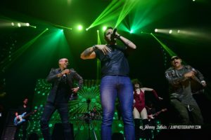Leoni Torres Y Sus Amigos With Special Guest Gente De Zona at James L. Knight Center